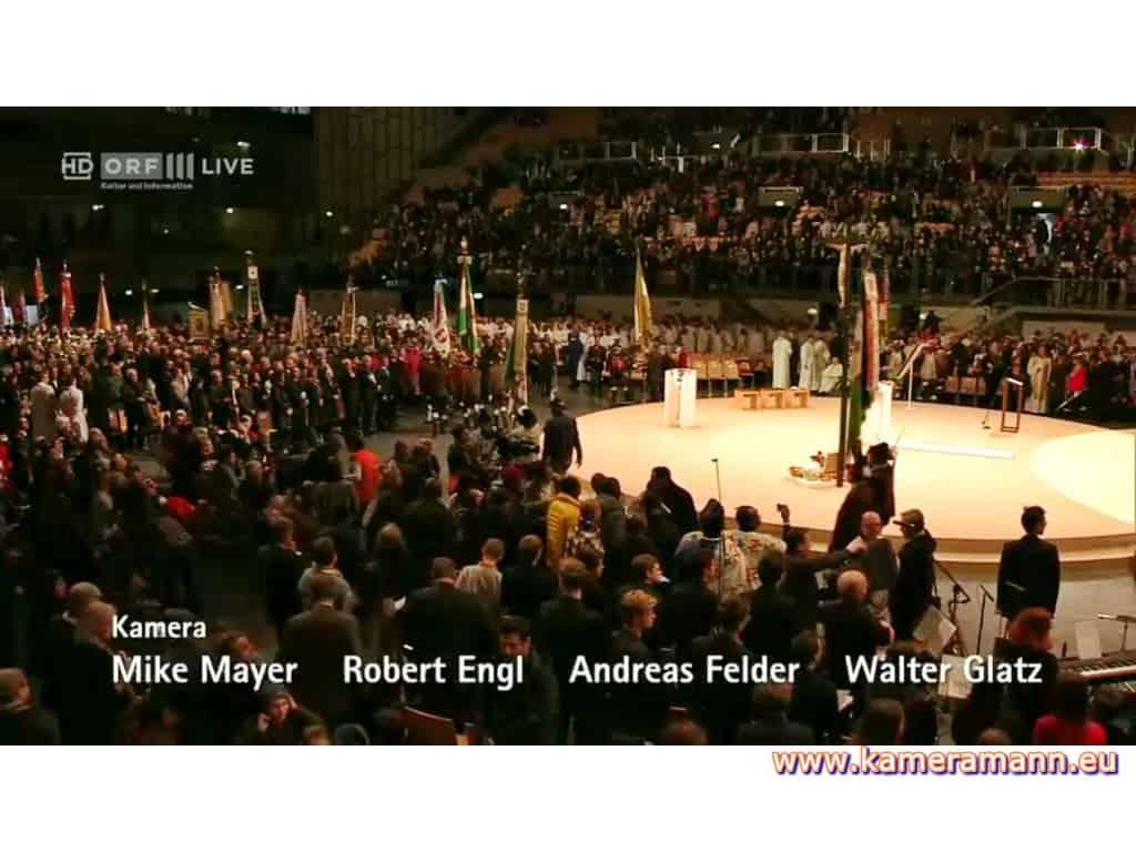 andreas felder kameramann ORF Bischofsweihe Gletter 04 1217 - ORF III Live Bischofsweihe