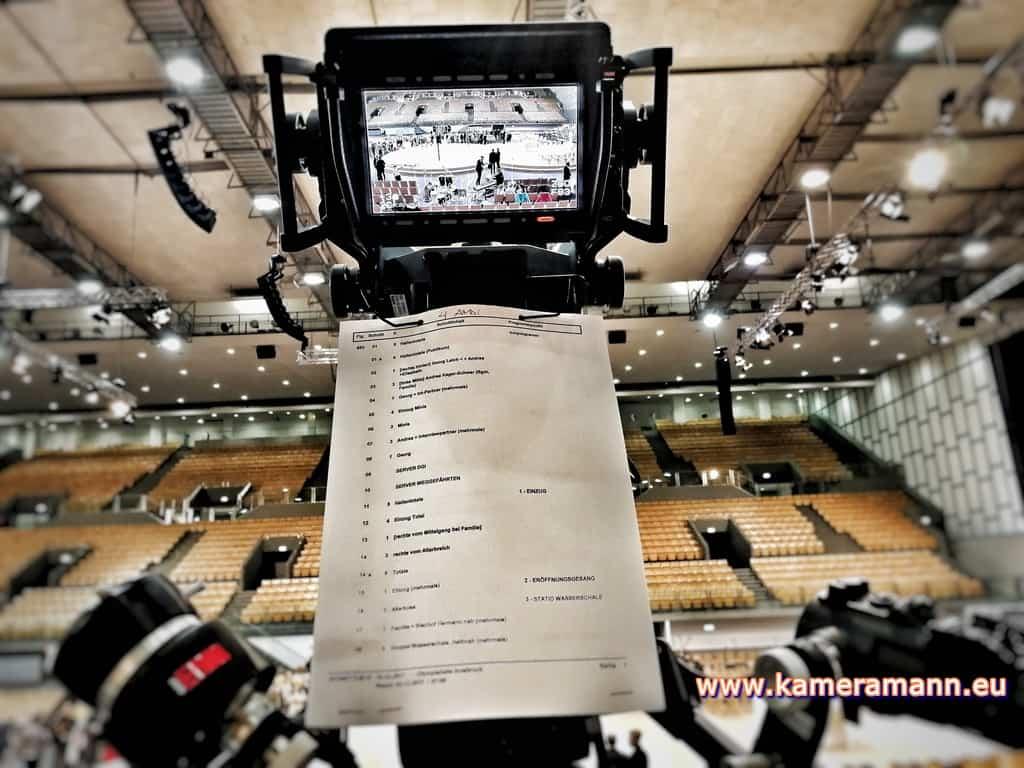 andreas felder kameramann ORF Bischofsweihe Gletter 05 1217 - ORF III Live Bischofsweihe