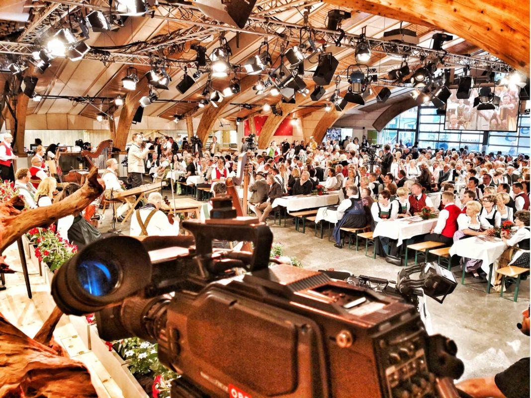 """2andreas felder kameramann orf mei liabste weis gaudafest04 2018 05 05 1 1068x800 - Operette """"Zirkusprinzessin"""" auf der Festung Kufstein"""