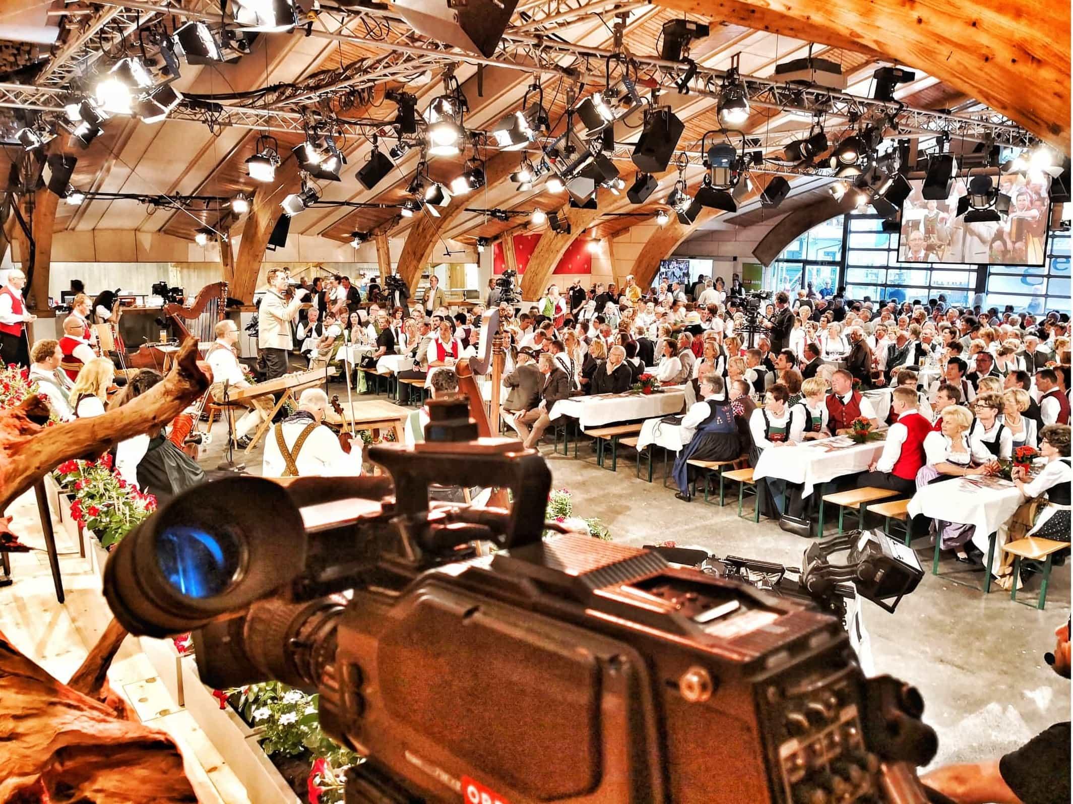ORF Mei Liabste Weis und Gauda-Festumzug