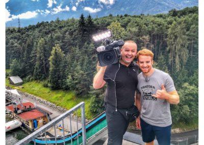 andreas felder kameramann servusTv cliff diving 02 25.06.2018 11 42 47 400x284 - ServusTv - Red Bull Cliff Diving